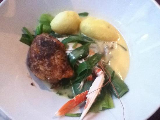 De Klare Hemel: pot au feu mechelse koekoek, langoustine, zomeroester, lamsoor en preistengeltjes