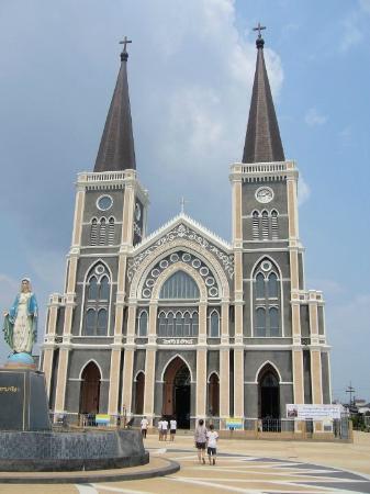 Chanthaburi, Thaïlande : หน้าโบสถ์
