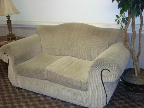 Nashville/Madison Extended Stay Hotel: Lobby Furniture