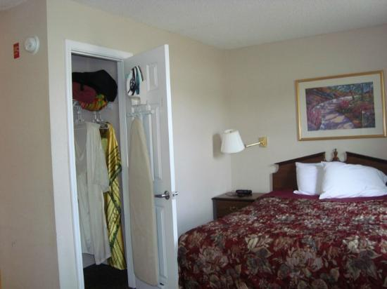 Nashville/Madison Extended Stay Hotel: Room