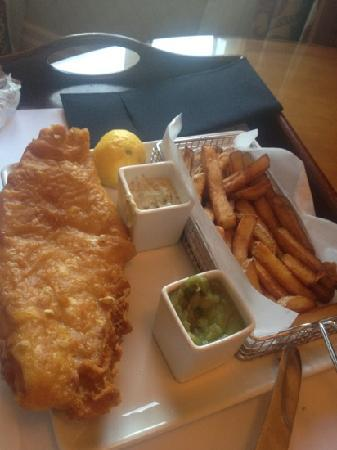 The Aberdeen Altens Hotel: haddock and chips
