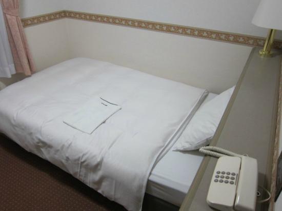 Hotel Alpha-One Takayama Bypass: ベッドの様子