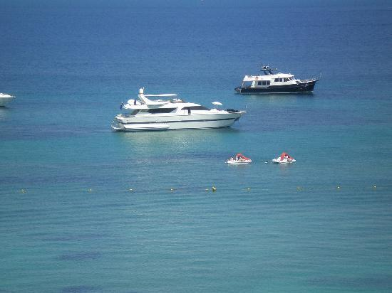 Hotel Son Matias Beach: Boats in the Bay