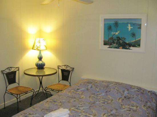 Arnott's Lodge: Our deluxe room