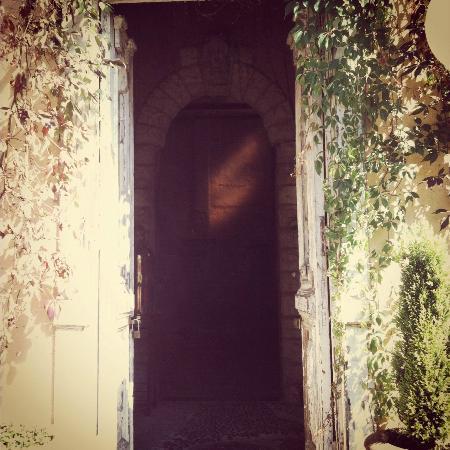 La Provence D'Afrique: Main door