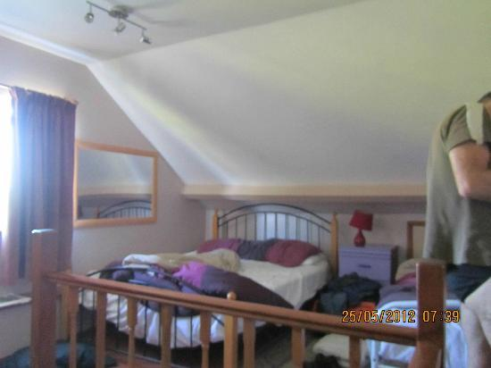 Countryair Bed & Breakfast: Upstairs bedroom (Family room)