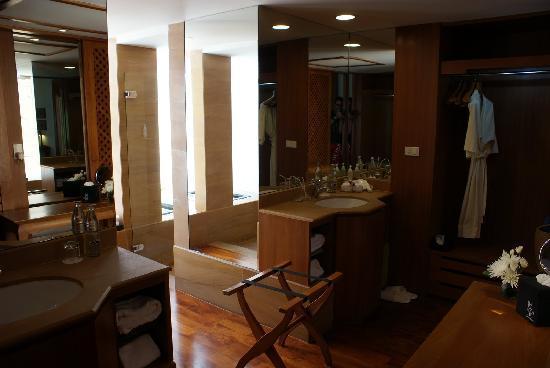 Nakamanda Resort & Spa: Vestidor