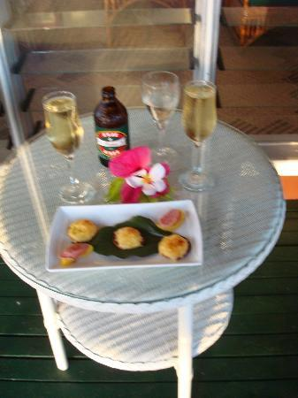 Nukubati Private Island: Sunset Champagne & Canapes