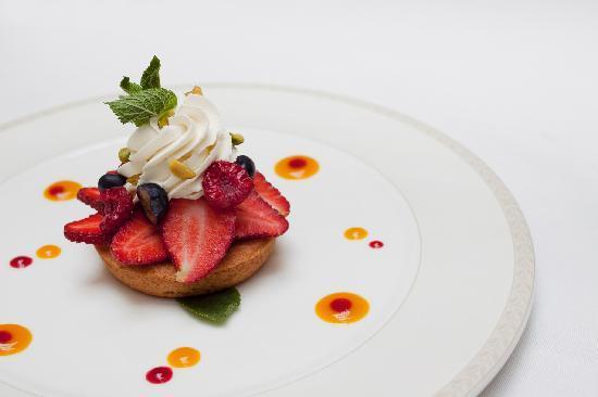 Tulip House Boutique Hotel: fruit basket