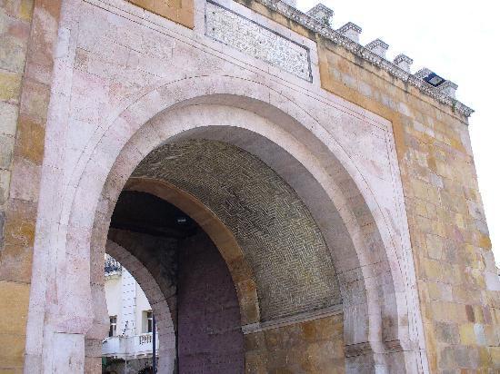 Bab El Bhar: Port de France,ingresso della Medina