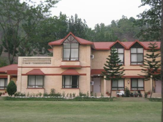 WelcomHeritage Corbett Ramganga Resort: Suits