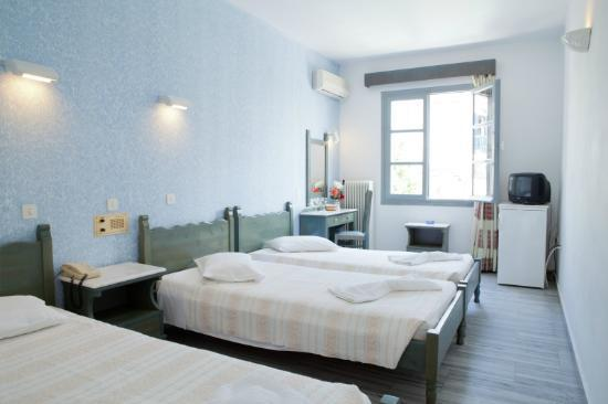 Polos Hotel: Triple Room