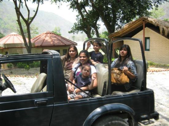 WelcomHeritage Corbett Ramganga Resort: Safari