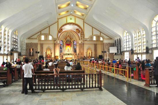 Quiapo Church: Inside