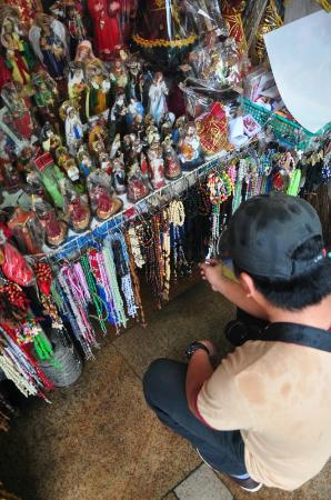 Quiapo Church: Market Outside Church