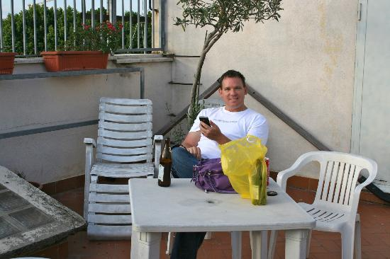 Bed & Breakfast Il Tesoro: Enjoying the evening on the roof-top terrace after some shopping