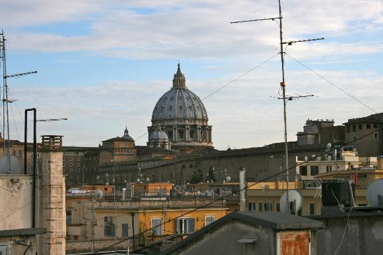 Bed & Breakfast Il Tesoro: The view from the roof-top terrace is beautiful!