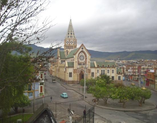 Hotel Fernando Plaza: La iglesia San Sebastian o de la Panaderia al lado del hotel