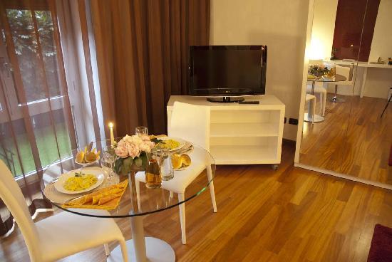 Qualys Hotel Nasco: scorcio suite
