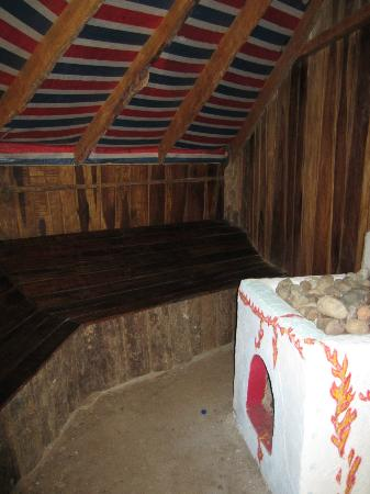 Manu Yoga Village: Natural Sauna