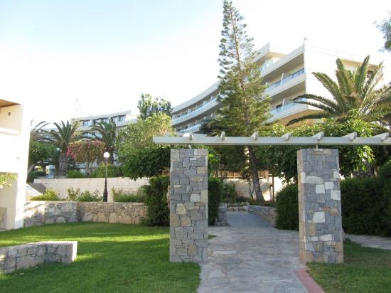 Agapi Beach Hotel: Hotel