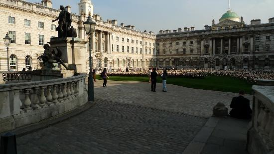 The Courtauld Gallery - Outside