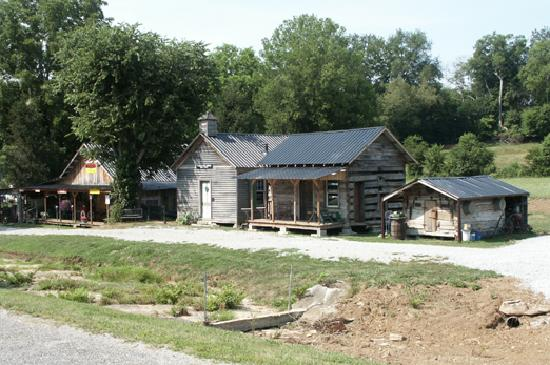 Pigg School House and other buildings, Santa Fe, TN