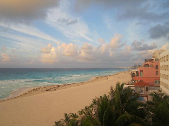 Flamingo Cancun Resort: room view