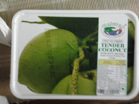 Natural Ice Cream Parlour: The 0.5 kg Tender Coconut Box @ Rs 180!:) Slurpp!
