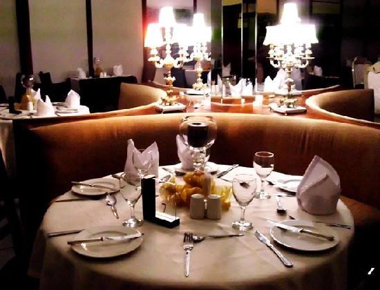 Savoy Hotel and Conference Centre: Tiffanys Restaurant