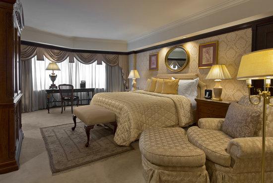 San Cristobal Tower: Gabriela Mistral Terrace Suite - Bedroom