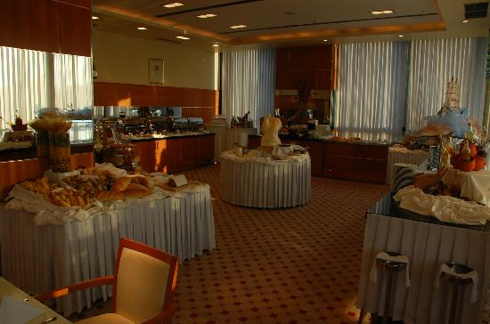 Hotel Antunovic: Buffet Breakfast Area / Restaurant