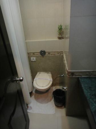 Hotel City Heart : Ensuite bathroom