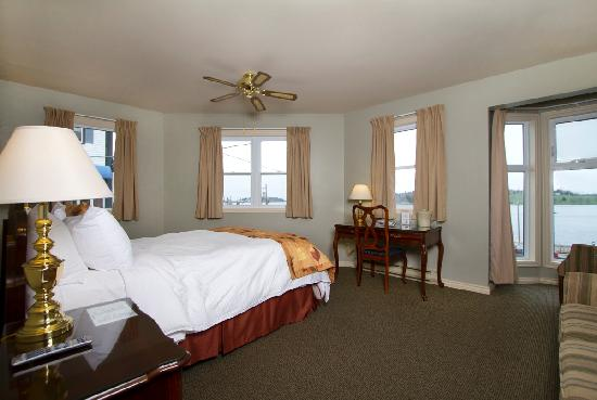 Brigantine Inn: Various waterfront views from your room!
