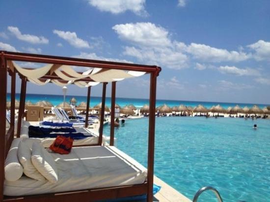 Foto De Iberostar Cancun Canc 250 N Pool Side Infinity Pool Tripadvisor