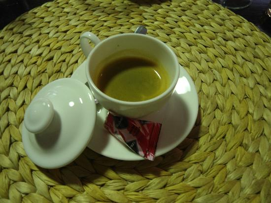 Enoteca Divinare: The loveliest coffee presentation that I've seen in a while