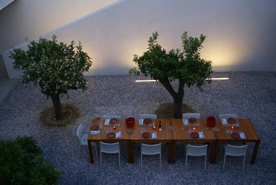 Villa Extramuros : Le patio pour le petit-déjeuner ou le dîner