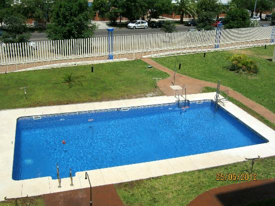 Luxsevilla Palacio: View of pool from Studio Apt 125