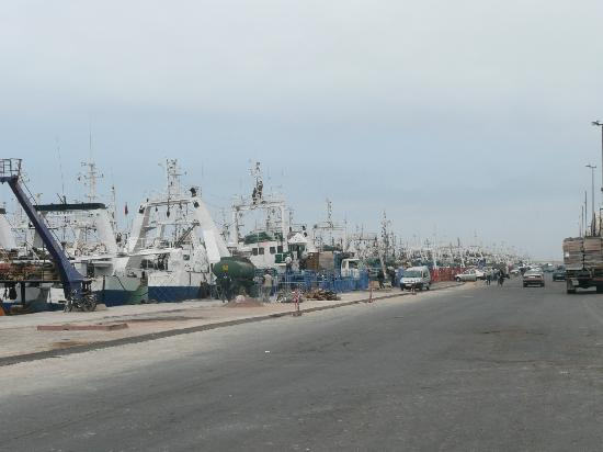 Atlas Marina Beach Suites & Spa : BOATS IN THE PORT