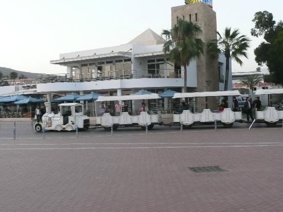 Atlas Marina Beach Suites & Spa : TRAIN!!!