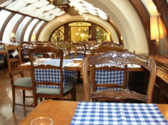 Al Fresco Italian Restaurant: Interior