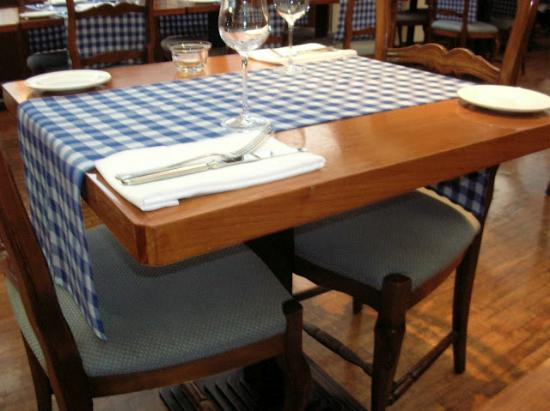 Al Fresco Italian Restaurant: Table