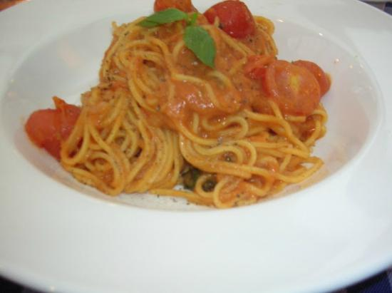 Al Fresco Italian Restaurant: spaghetti with cherry tomatoes