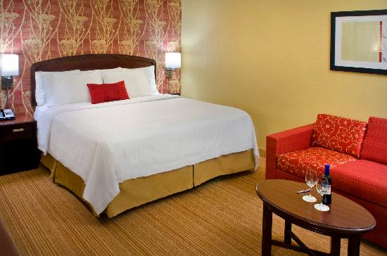 Courtyard Allentown Bethlehem/Lehigh Valley Airport: Guest Room King