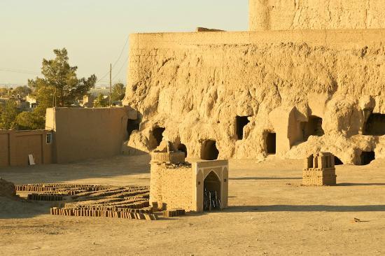 Meybod: Narein Castle