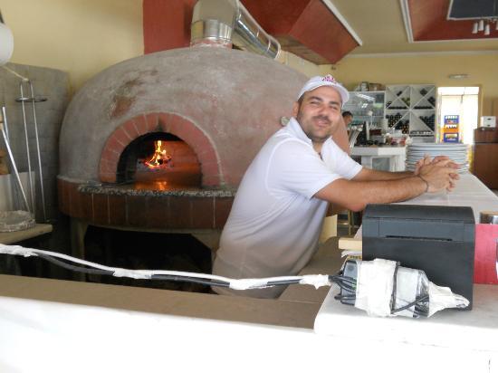 Pagliaccio: Vedfyrt steinovn gir god pizza