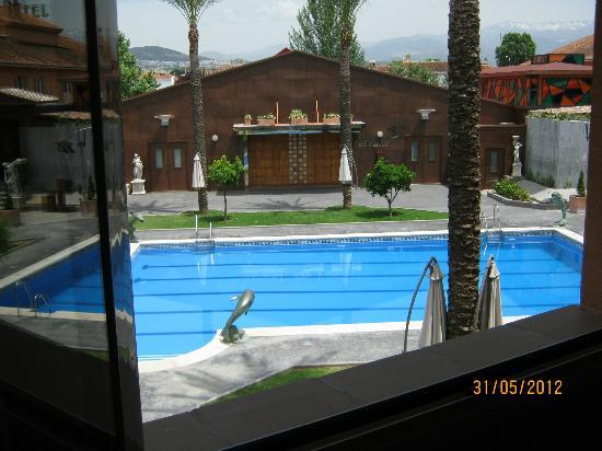 Camino de Granada Hotel: View of pool area from room 405, 2nd floor
