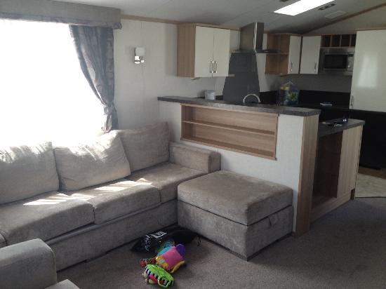Fleetwood, UK: Living room/kitchen area