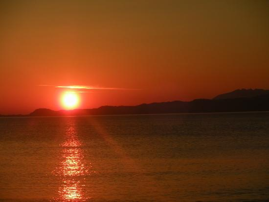 Arisaig, UK: Sunset with southern Skye in the distance