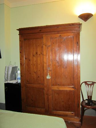 Hotel L'Antico Pozzo: camera
